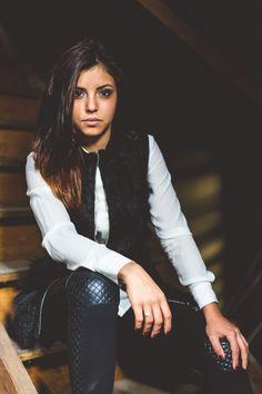 Portrait.  Jacqueline Traub Fotografie     #portrait #woman #beautiful #indoor #indoorportrait #womanphotography
