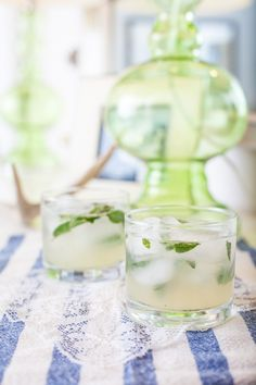 mint gimlet drink recipe / the life styled