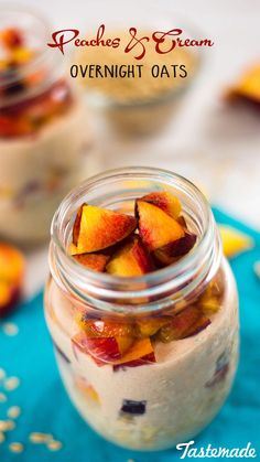 Peaches And Cream Overnight Oats ~ Healthy AF Turn a classic dessert into breakfast with this overnight oats recipe! Sweet ripe peaches, and creamy oats with Greek yogurt, this is sure to brighten up your morning. Peach Overnight Oats, Mason Jar Meals, Mason Jars, Classic Desserts, Oatmeal Recipes, Pudding Recipes, Breakfast Recipes, Breakfast Ideas, Power Breakfast