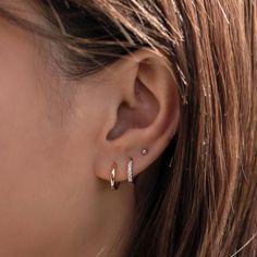 Double Ear Piercings, Pretty Ear Piercings, Ear Peircings, Triple Lobe Piercing, Three Ear Piercings, Piercings For Small Ears, Second Hole Piercing, Different Ear Piercings, Ear Piercings Helix