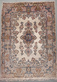 KERMAN CARPET Around 360 x 262 cm.