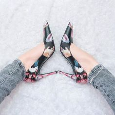 Throwback to a #TuesdayShoesday follower favorite @zarminaxox going bold in our graphic floral Tatiana pump.