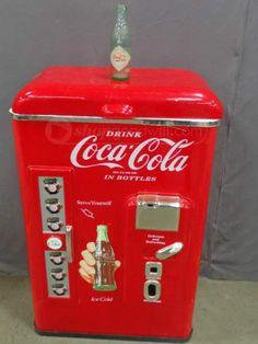 shopgoodwill.com: Vintage Coca-Cola Nostalgia Cooler