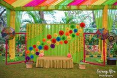 Best Ideas for succulent wedding backdrop flower Desi Wedding Decor, Wedding Stage Decorations, Backdrop Decorations, Flower Decorations, Backdrops, Wedding Ideas, Wedding Photos, Rustic Backdrop, Wedding Planning