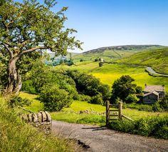 Upper Swaledale Keld (North Yorkshire England) by Bob Radlinski scenicphotography scenic photography england uk 815644182495061827 Yorkshire England, Yorkshire Dales, North Yorkshire, Cornwall England, England Uk, London England, Scenic Photography, Landscape Photography, Nature Photography