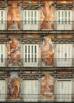 Madrid, Plaza Mayor II by Paul 'Tuna' Turner, via Flickr