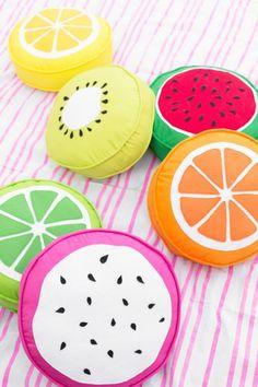 How to Make Fruit Slice Pillows   studiodiy.com