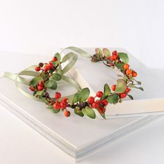 #auswandarrah #etsyaufinds Red Berry Flower Crown Mistletoe Headband by VelvetTeacup on Etsy