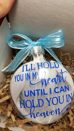 Feather Memorial Ornament - I'll hold you in my heart until I can hold you in heaven In Memory Christmas Ornaments, First Christmas Together Ornament, Christmas Balls Decorations, Christmas Vinyl, Memorial Ornaments, Christmas Angels, Christmas Presents, Handmade Christmas, Christmas Decor