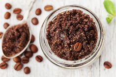 A simple homemade Exfoliating Coffee Scrub that is not only economical but great for your skin, using ground coffee and dark brown sugar. This Exfoliating Coffee Scrub makes a great home-made gift idea too! Coffee Ground Scrub, Coffee Face Scrub, Diy Face Scrub, Coffee Face Mask, Body Scrub, Coffee Bath, Homemade Exfoliating Scrub, Face Scrub Homemade, Coffee Hair Dye