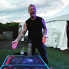"36.1 mil Me gusta, 492 comentarios - Metallica (@metallica) en Instagram: ""En route to the stage in Montreal...#metallica #worldwired #metinmtl"""