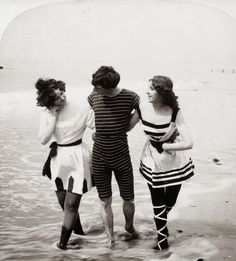 Bathing beauties in the Gilded Age 1898 - Vintage Photography