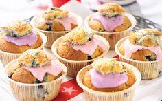 Cupcakes med hallon och blåbär