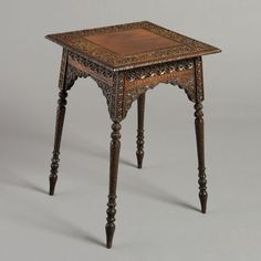 An Anglo-Indian lamp-table. Circa 1875. - Catalogue - Core One