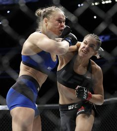 UFC Amanda Nunes KOs Ronda Rousey in 48 seconds with savage beating Female Mma Fighters, Ufc Fighters, Female Fighter, Fighting Poses, Mma Fighting, Wrestling Senior Pictures, Ufc Boxing, Boxing Workout, Jiu Jitsu Fighter