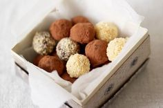 Chocolate surprise truffles from Jamie Oliver Recipes Dairy Free Chocolate, Chocolate Recipes, Chocolate Hazelnut, Chocolate Brownies, Homemade Chocolate, Chocolate Covered, Truffle Recipe, Christmas Snacks, Edible Gifts