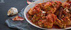 Κοκκινιστό κοτόπουλο με ελιές & φέτα Feta, Shrimp, Chicken, Cubs