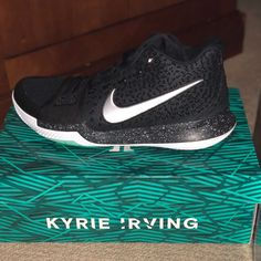 brand new f7077 961a3 Nike Shoes   Kyrie Irving Basketball Shoes   Color  Black   Size  12