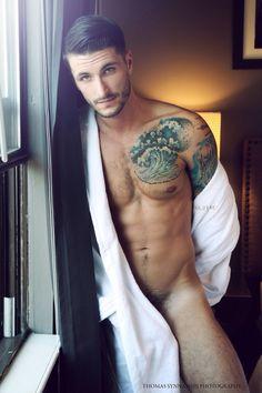foto-maniac2:  Photographer: Thomas Synnamon  Random Eroticism