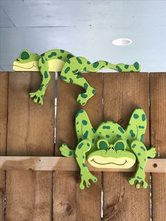 Artesanías madera Wooden Projects, Wooden Crafts, Craft Projects, Frog Crafts, Diy And Crafts, Arts And Crafts, Wood Yard Art, Wood Craft Patterns, Yard Ornaments