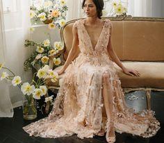 https://www.etsy.com/nl/listing/287973493/beige-wedding-dress-with-v-cut-wedding