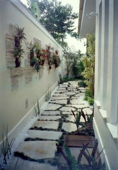 47 Best Farmhouse Side Yard Decor and Design Idea – 47 Best Farmhouse Side Yard Dekor und Design-Idee Driveway Design, Yard Design, Side Yard Landscaping, Outside Seating, Side Yards, Small Gardens, Garden Paths, Landscape Design, Pergola