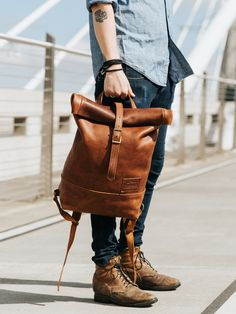 Portland Leather Goods - Tote bags, leather journals, passport covers, and other leather goods handmade in Portland, Oregon. Fashion Now, Fashion Bags, Mens Fashion, Fall Fashion, Best Leather Backpack, Top Backpacks, Leather Backpacks, Photography Bags, Triclimate Jacket