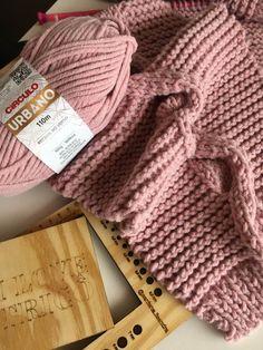 Knitted Hats, Winter Hats, Crochet, Knitting, Fashion, Yellow Coat, Knitting Patterns, Dressmaking, Urban