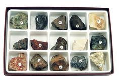 """KIT: Ores of common metals - Bauxite -- Chalcopyrite -- Malachite -- Pyrite -- Hematite -- Magnetite -- Limonite -- Pyrrhotite -- Siderite -- Galena -- Dolomite -- Pyrolusite -- Cassiterite -- Sphalerite -- Beryl. """"A mineral or rock, which contains enough of a chemical element to make it economically feasible to mine, is called an ore. Chemical Substances, Chemical Reactions, Chemical Nomenclature, Chemical Change, Malachite, Metals, Mineral, Science, Kit"""
