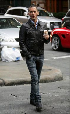 dc787c9b01 Marc Jacobs in Dior Homme Jake Jeans