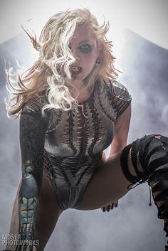 Chica Heavy Metal, Heavy Metal Girl, Maria Brink, Hard Rock, Blossom Music Center, Ladies Of Metal, Rock Poster, Hot Goth Girls, Women Of Rock