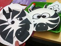 Zebra craft for my Montessori Kindergarten Preschool Kids with paper plate and blak construction paper. Africa unit animal animals safari grassland fauna
