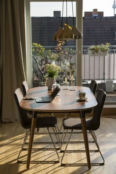 Edelweiss Ausziehtisch, Walnuss und Schwarz ► Neues Design für dein Zuhause! Entdecke jetzt Tische von klein bis groß bei MADE.