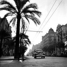 """""""La Diagonal"""" (Barcelona), 1950 / Photo by Francesc Català-Roca"""