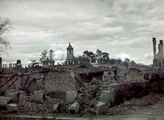 Raunioita Viipurissa, taustalla Eliaan kirkko. Viipuri