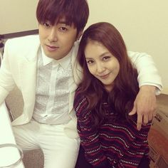 Lifelong Friendships: 8 Adorable Photos Of TVXQ Yunho And BoA Fans of both TVXQ and BoA both know how close the two are, from being with SM Entertainment and debuting on the stage with BoA. Exo Red Velvet, Korean Music, Korean Idols, Korean Star, Waiting Rooms, Jaejoong, Tvxq, Kpop Fashion, Good Looking Men
