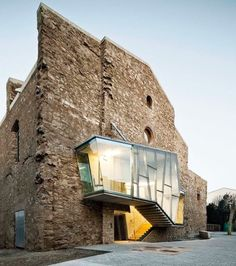 Intervention in the church of the convent of sant Francesc in Santpedor Catalunya by David Closes