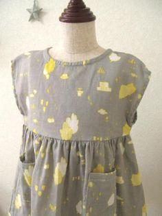 ハンドメイド子供服のお店です。リバティやリネンのおしゃれなお洋服&小物を揃えています。親子お揃いのお洋服も
