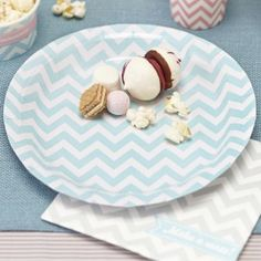 8 lovely light blue chevron striped party plates, a gorgeous range of tableware, decorations and cake accessories. Baby Boy First Birthday, 1st Birthday Parties, Birthday Party Decorations, Cake Pops, Chevron Bleu, Green Chevron, Deco Pastel, Chevron Paper, Wholesale Party Supplies