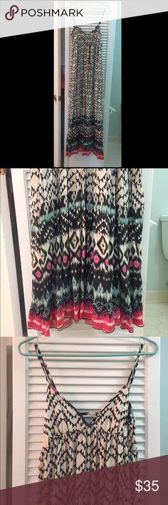 Billabong Dress! Flowy Long billabong dress, great condition, worn once! Multi color bottom, black and white top.☀️ Billabong Dresses Maxi