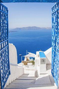 Sea Gate, Santorini, Greece. *sigh*  the blue... it's so.....blue!