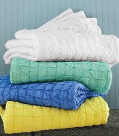 Breezy Voile Quilt looks so refreshing to cover myself in!