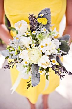 Yellow bridesmaid wedding bouquet- this combination would look stunning with lavendar