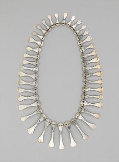 vjeranski:  Necklace-Alexander Calder-1940