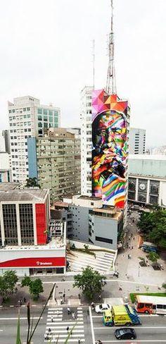 Famous Brazilian architect Oscar Niemeyer (in a mural by Eduardo Kobra) overlooking Avenida Paulista in São Paulo, Brazil