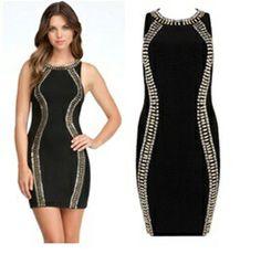 Zwart jurk met twee kantje. €75,-