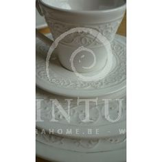 Romantisch landelijk tafelservies #jline #servies #landelijk #tafelservies #borden #koffieservies #eetservies