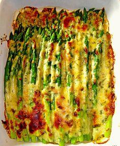 Albertos grüner Spargel mit Parmesancreme, ein raffiniertes Rezept aus der Kategorie Gemüse. Bewertungen: 442. Durchschnitt: Ø 4,4.
