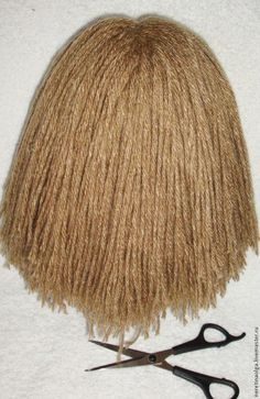 So, we are watching a master class on creating a magnificent hairstyle for a knitted pupa, which the Yarn Wig, Yarn Dolls, Knitted Dolls, Fabric Dolls, Crochet Dolls, Crochet Braids Marley Hair, Crochet Hair Styles, Doll Wigs, Doll Hair