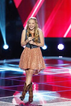 Picture: Danielle Bradbery in 'The Voice.' Pic is in a photo gallery for Danielle Bradbery (The Voice) featuring 14 pictures. Danielle Bradberry, Country Singers, Country Music, Country Life, Country Girls, Country Style, How To Increase Energy, Celebs, Country